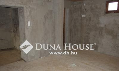 Eladó Ház, Bács-Kiskun megye, Kiskunfélegyháza, Felújított belső házrész befektetésnek