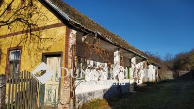 Eladó Ház, Komárom-Esztergom megye, Réde, Tornácos parasztház csendes utcában