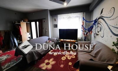 Eladó Ház, Csongrád megye, Csanytelek, Téglaépítésű, kétszintes szigetelt ház